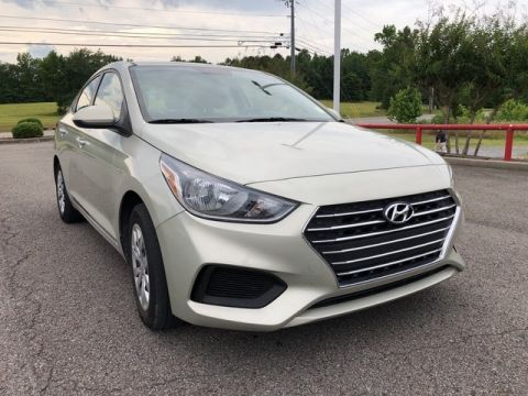 Pre-Owned 2019 Hyundai Accent SE Front Wheel Drive 4dr Car