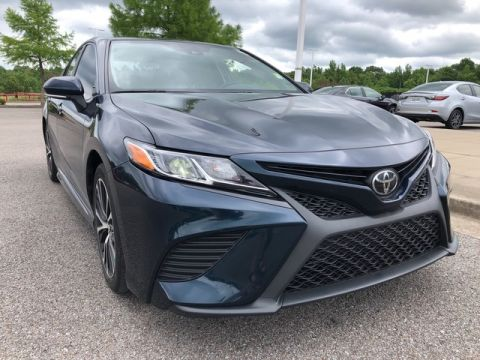 Pre-Owned 2019 Toyota Camry SE Front Wheel Drive Sedan