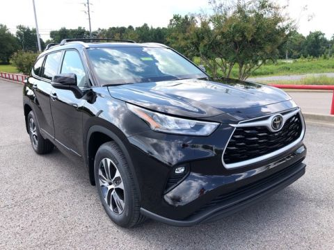 New 2020 Toyota Highlander XLE Front Wheel Drive SUV
